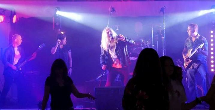 We Review Newcastle Rock Band - Paris Dancer I Love Newcastle