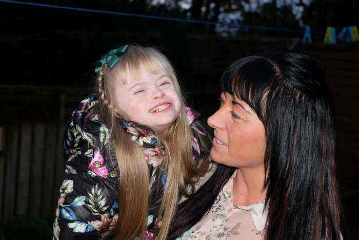 Disabled Girl Finally Able To Play Outside Safely Thanks To Surprise New Garden I Love Newcastle