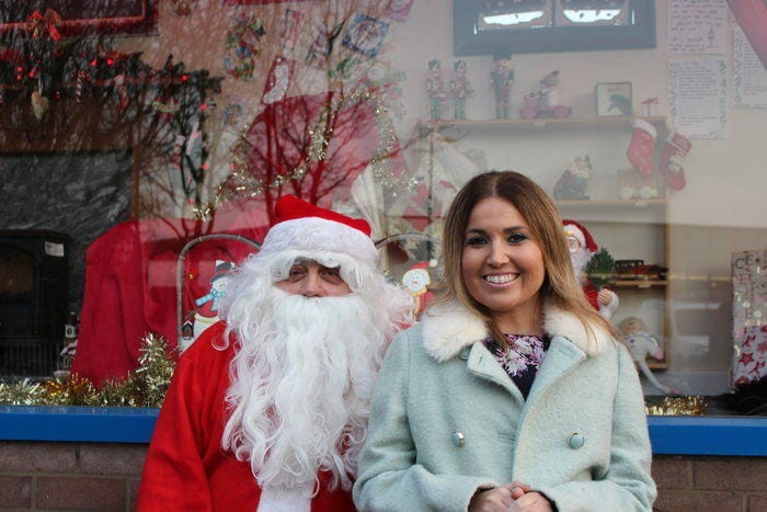 Christmas Comes Alive In Dunston At Grand Unveiling Of St Oswald's Shop Window I Love Newcastle